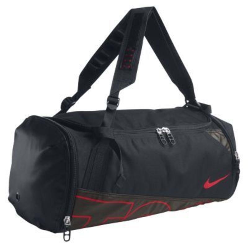Красивые женская спортивная сумка - отличного качеста.